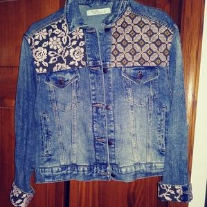 Cute denim jacket with patchwork